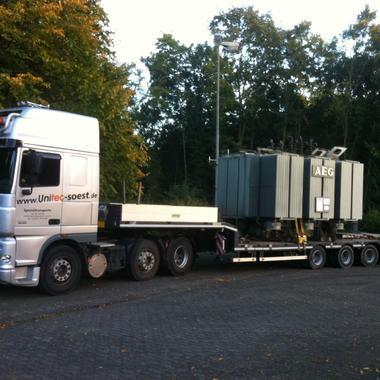 Transformator mit 35 Tonnen Gewicht