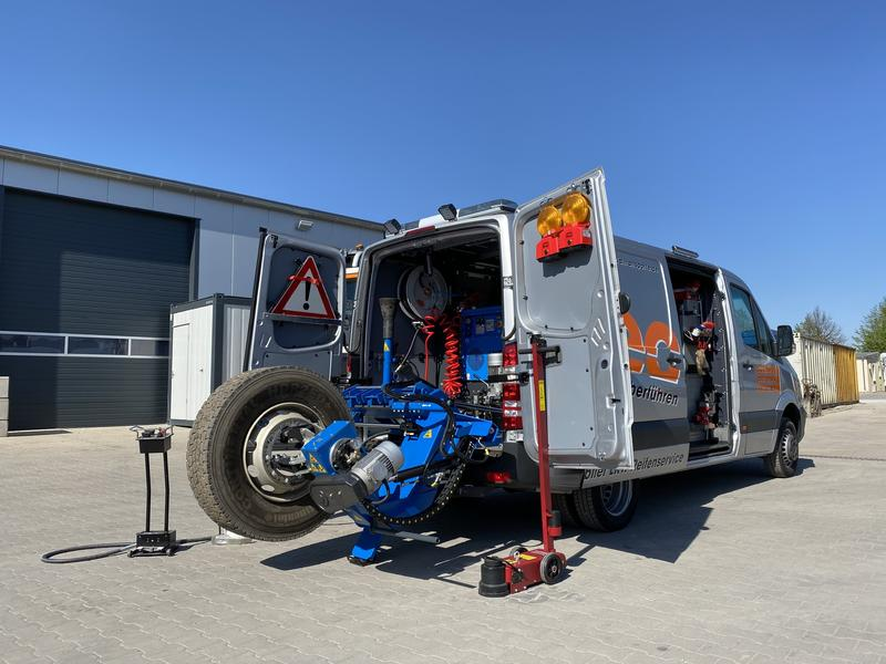 mobiler LKW-Reifenservice / Pannenhilfsfahrzeug