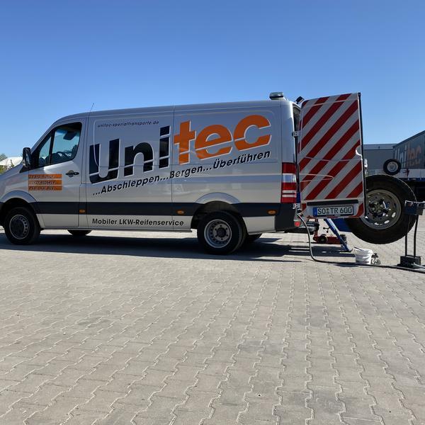 Mercedes Sprinter für den mobilen LKW-Reifenservice