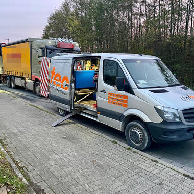 Unser Servicewagen für den mobilen LKW-Reifenservice ist 24/7 für Sie da