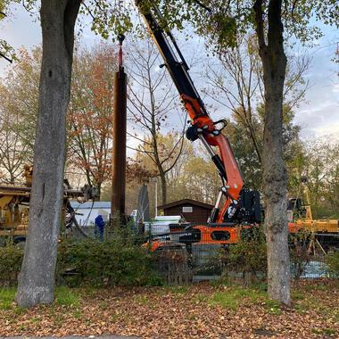 Aufgrund von Bäumen wäre ein 150to. Mobilkran nötig gewesen